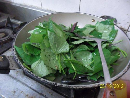 水煮自種地瓜葉拌炒肉燥飯 @ - nidBox親子盒子