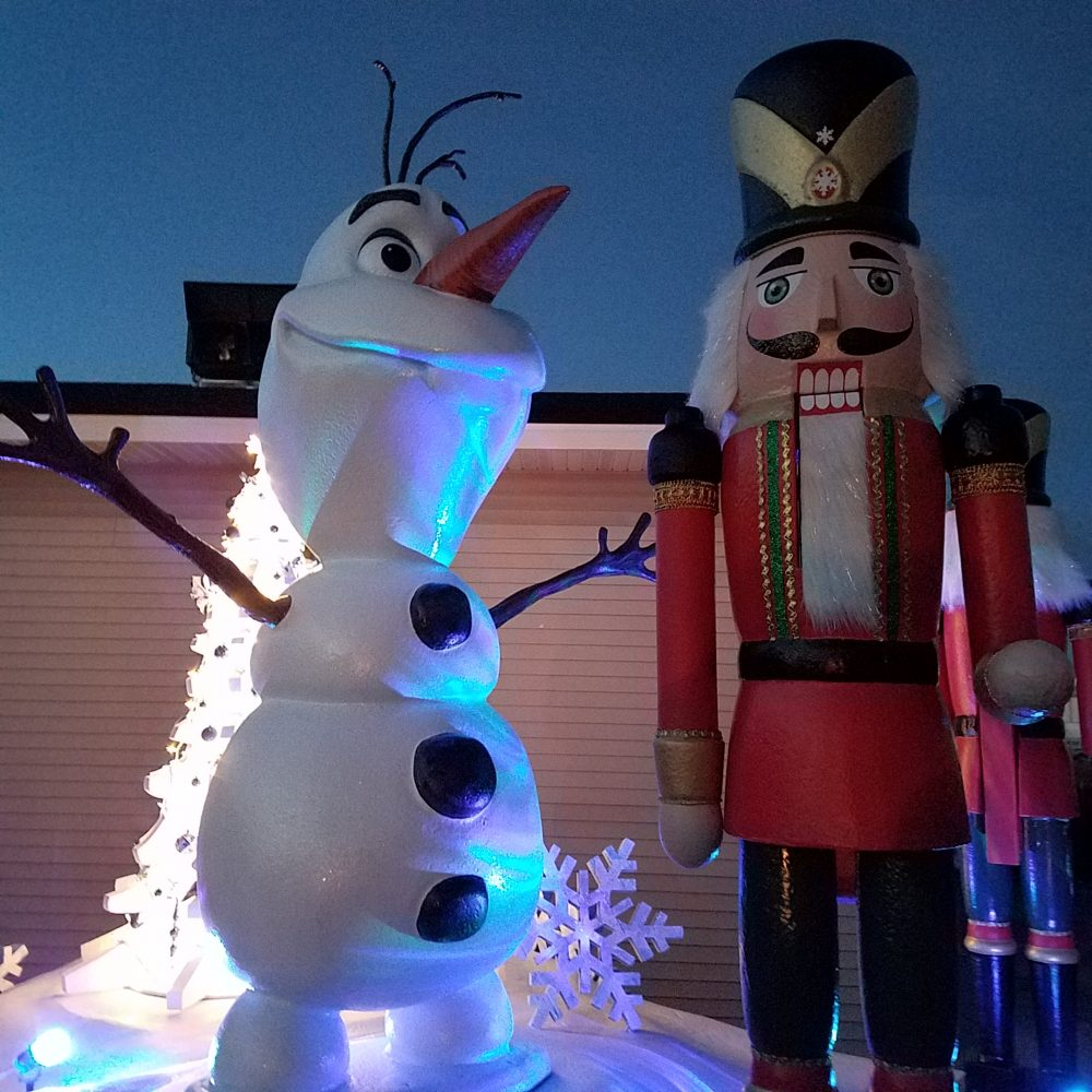 Sculpted Foam Holiday Float Decor