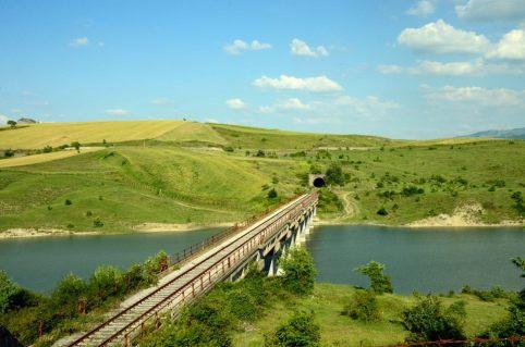 Ferrovia IRPINIA sul viadotto oasi