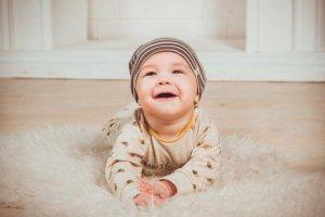 Sonno agitato neonato 6 mesi