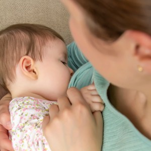 How My Breastfeeding Struggles Made Me a Better Mom