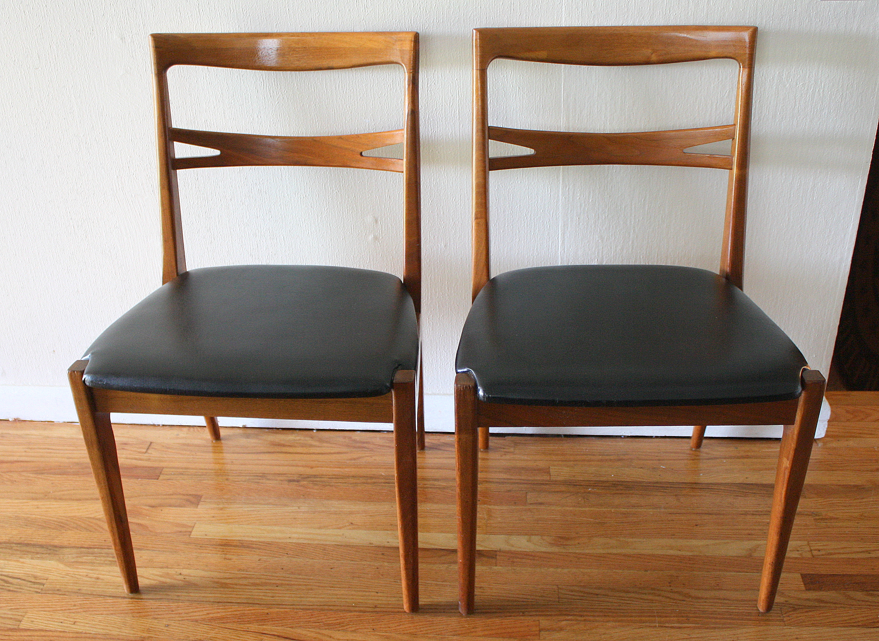 Mcm Chair Mcm Danish Chair With Cross Back 2 Picked Vintage