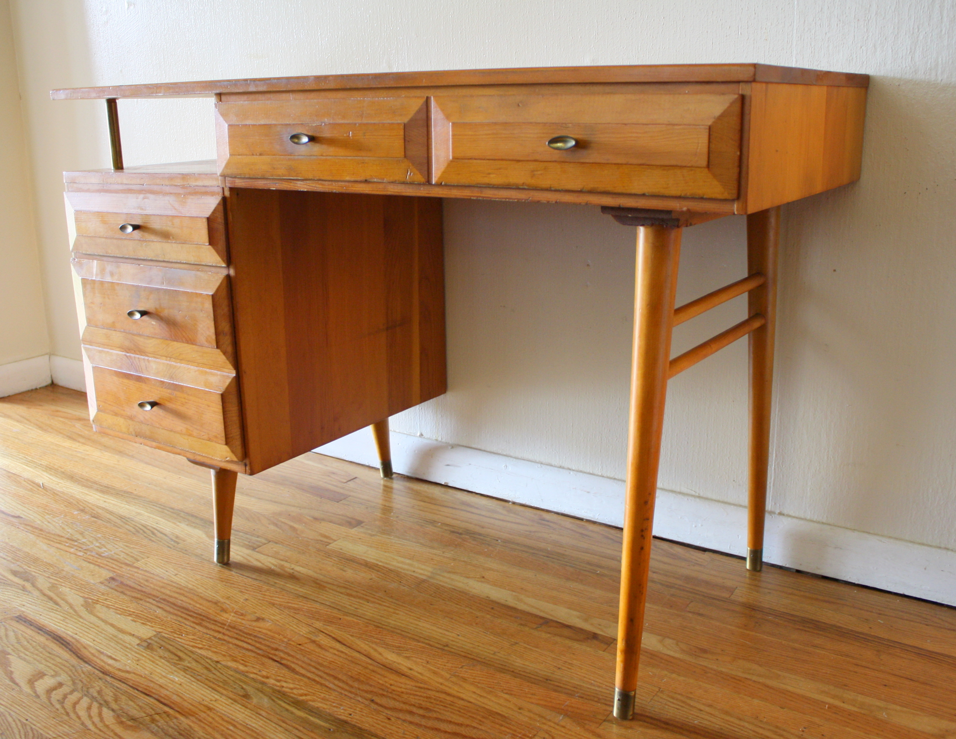 Mid Century Modern Floating Desk by Aristobilt  Picked