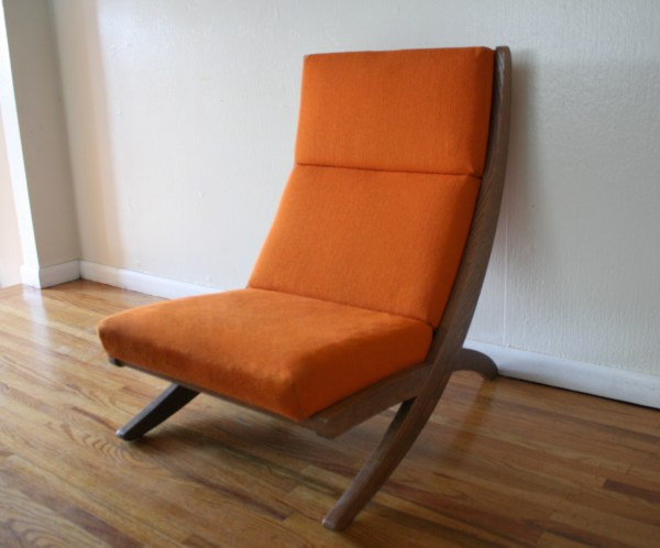Mid Century Modern Lounge Chair With Detachable Desk