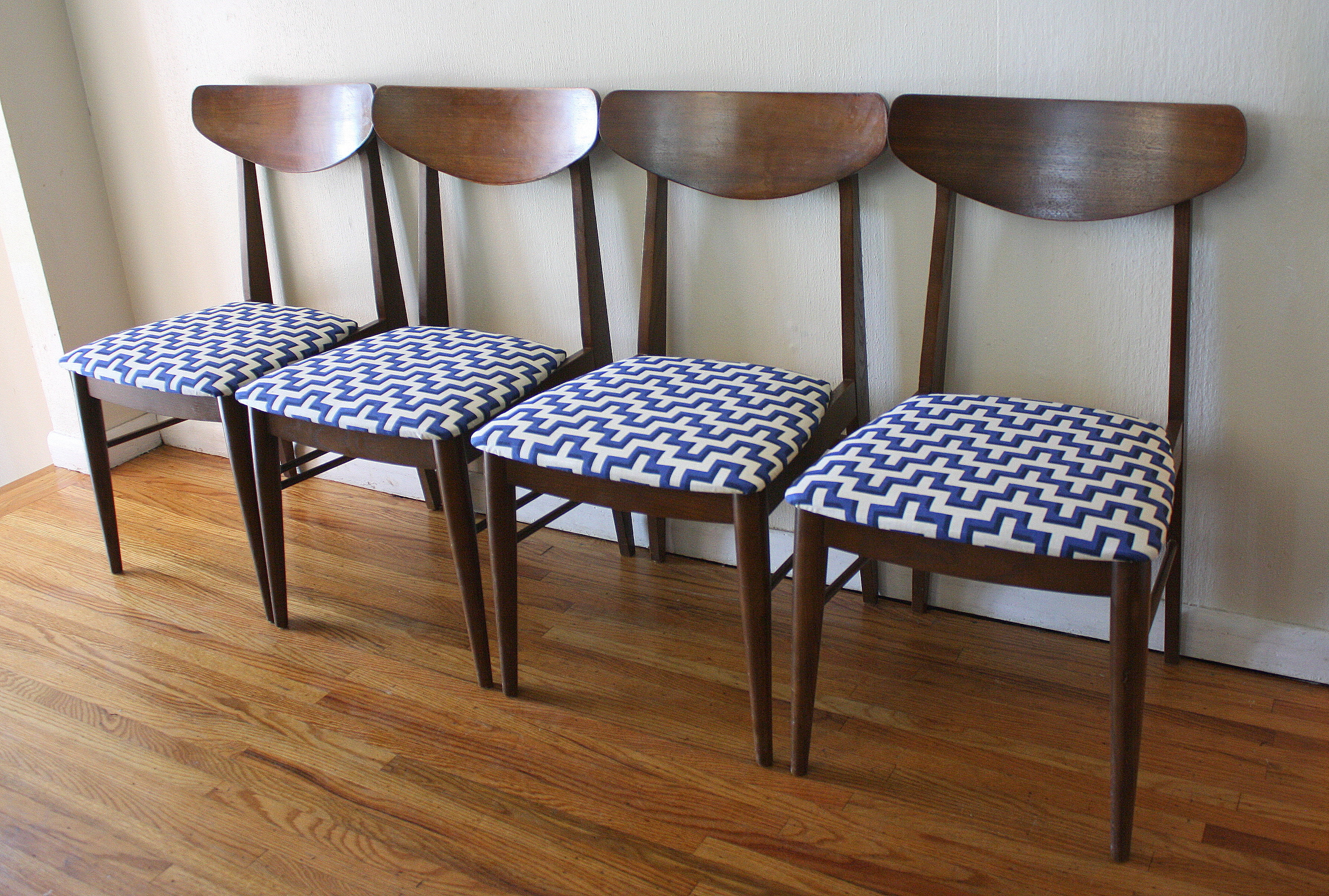 Mid Century Modern Dining Chair Mid Century Modern Sets Of Dining Chairs Picked Vintage