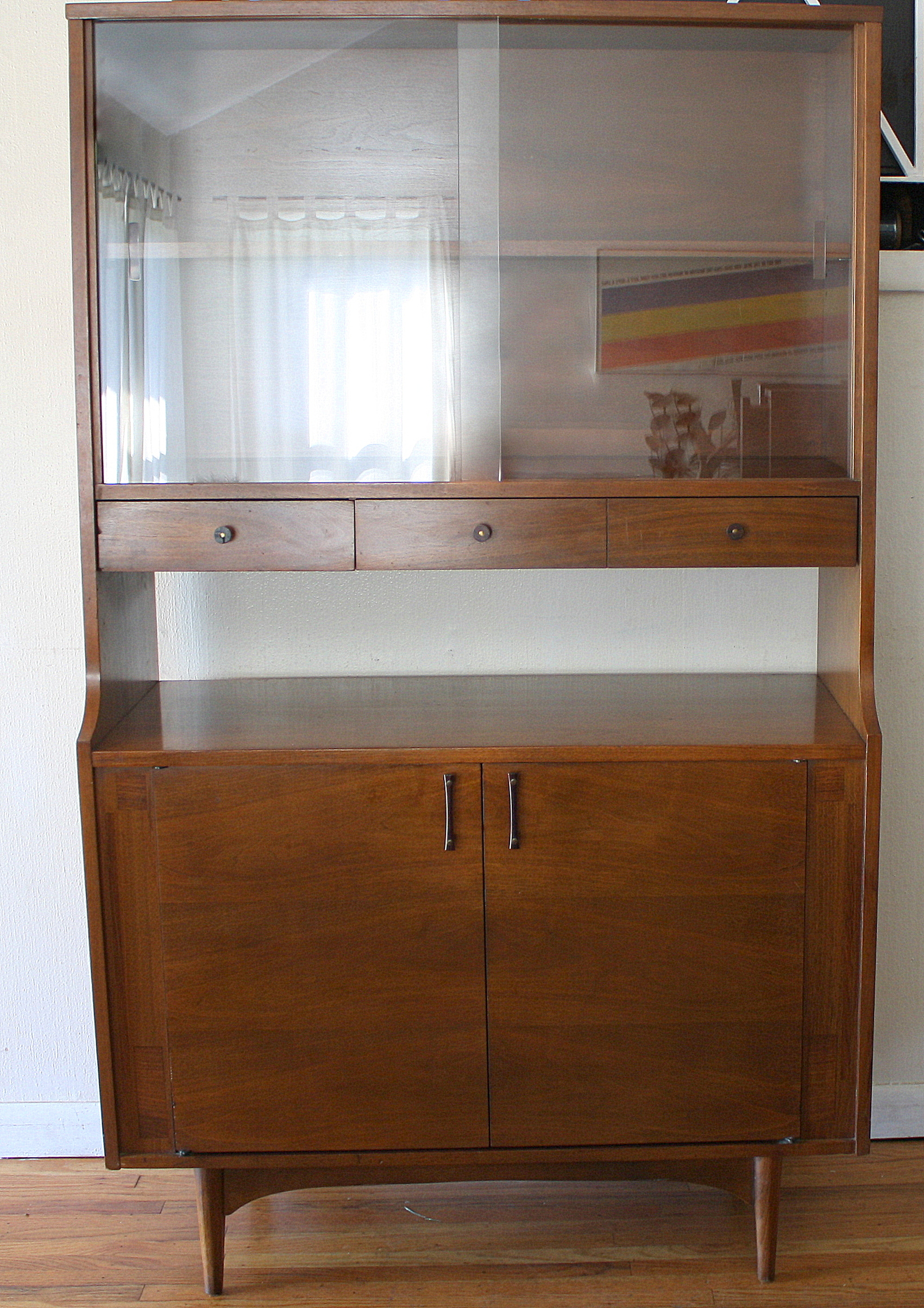 Mid Century Modern Mini China Cabinet Hutch By Kroehler Picked Vintage