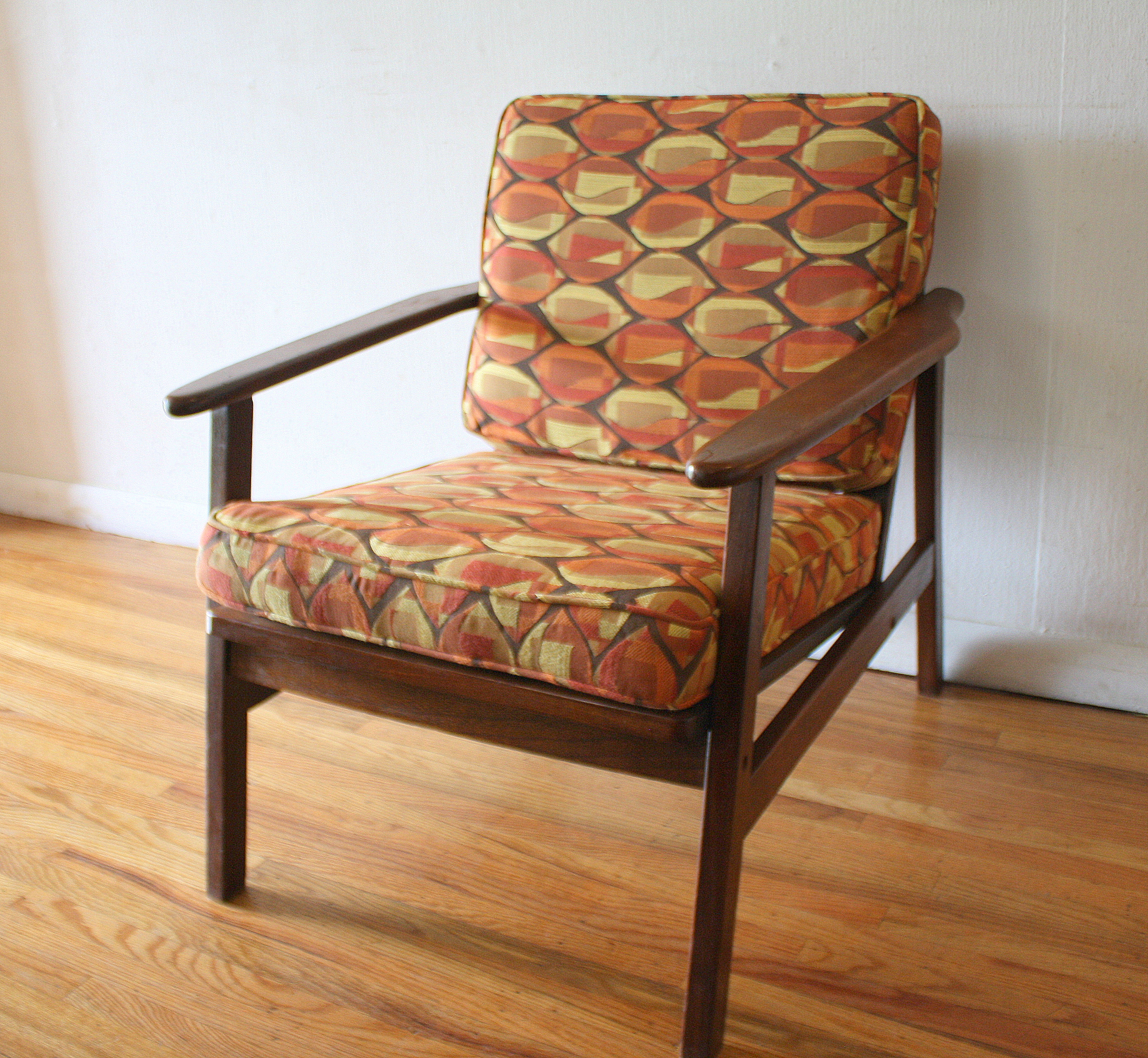 Mid Century Modern Arm Chair With Geometric Pattern Cushions Picked Vintage