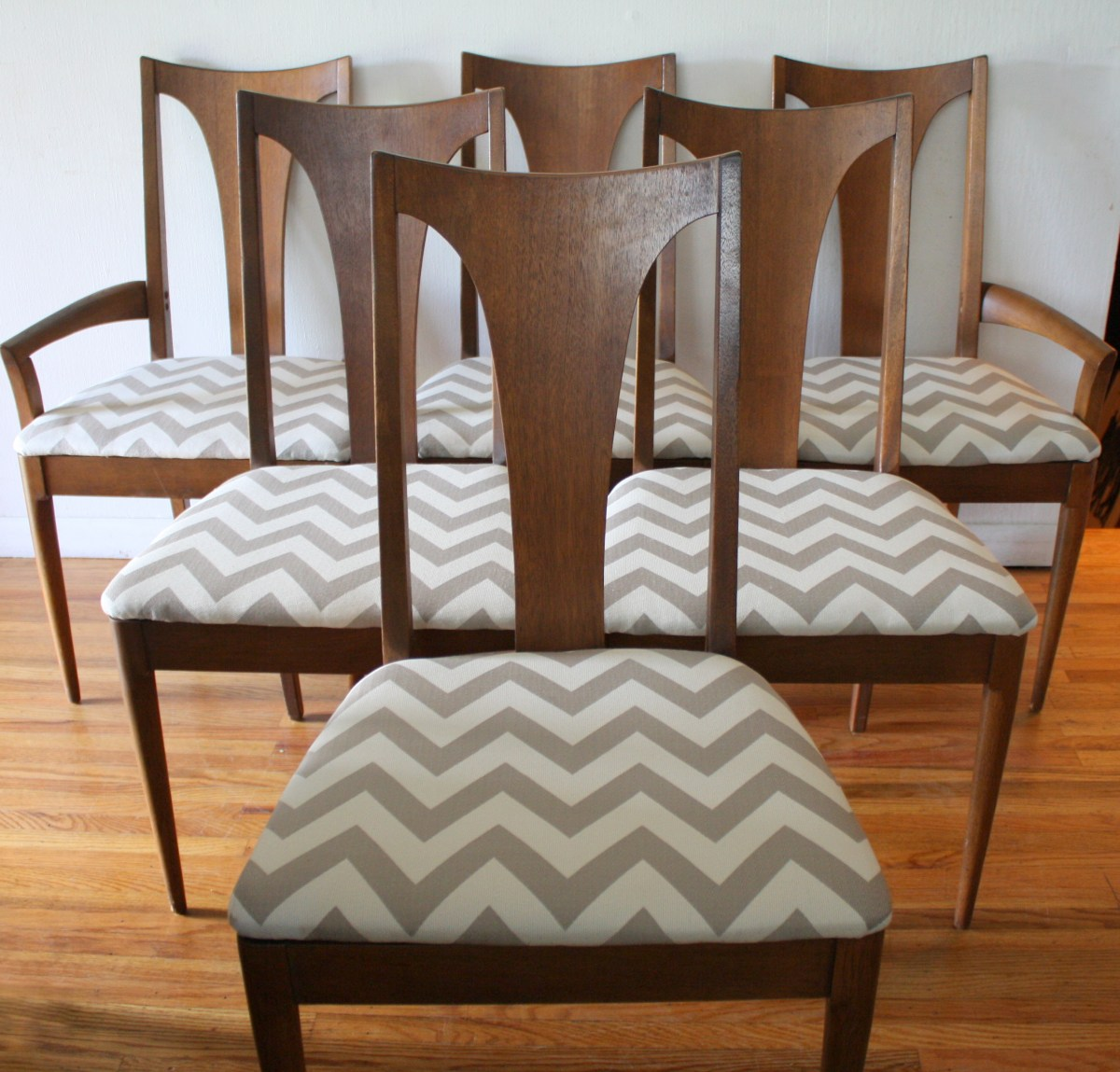 Mid Century Dining Chairs Mid Century Modern Dining Chair Set From The Broyhill