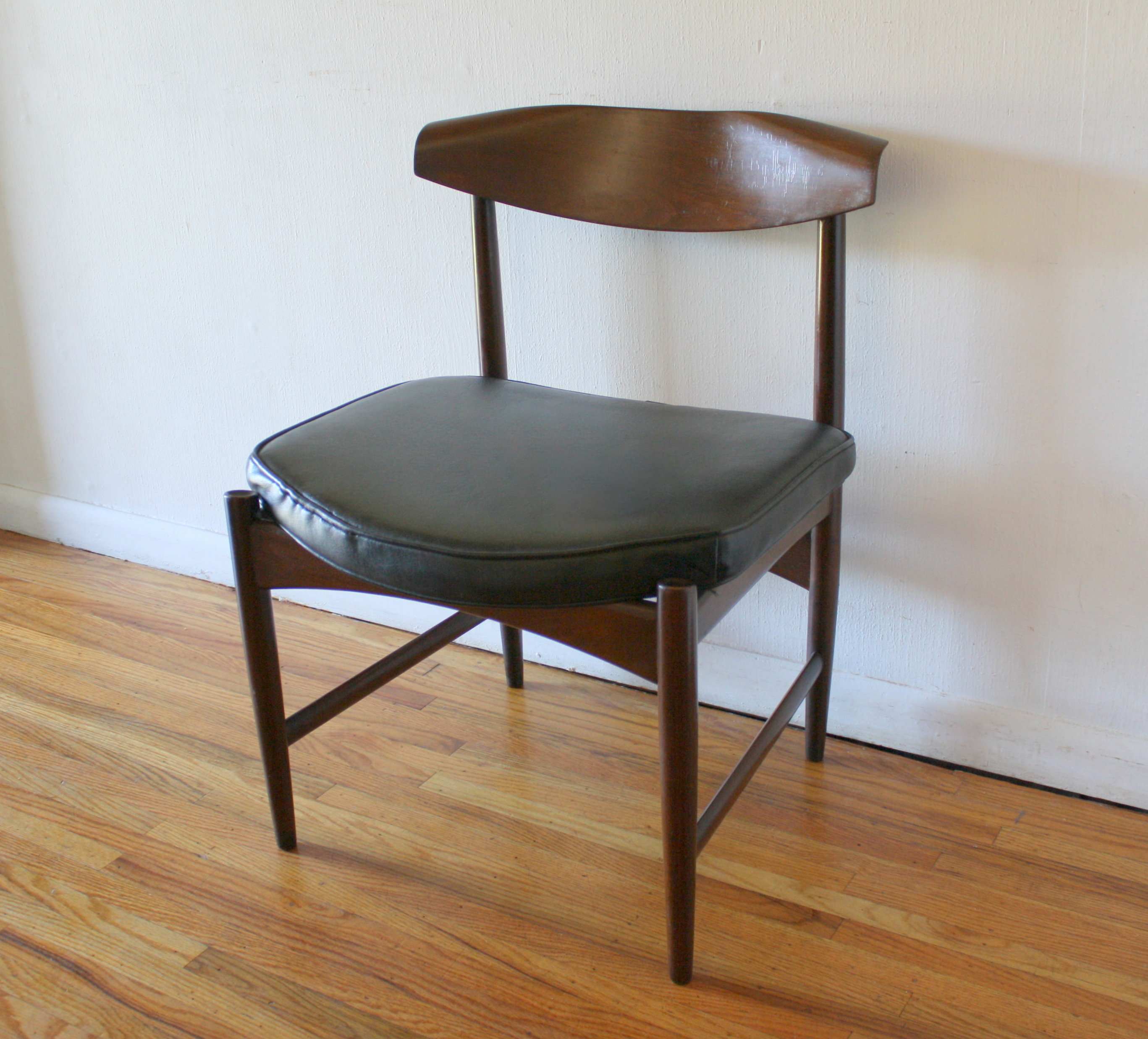 Selig Chair Selig Picked Vintage