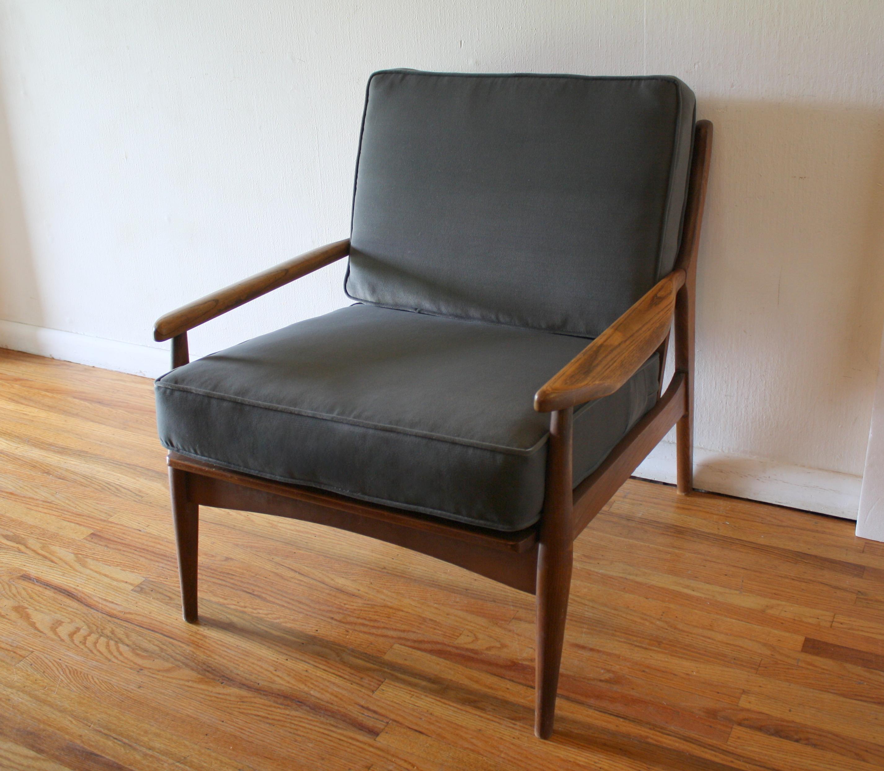 wh gunlocke chair dancer on velvet picked vintage