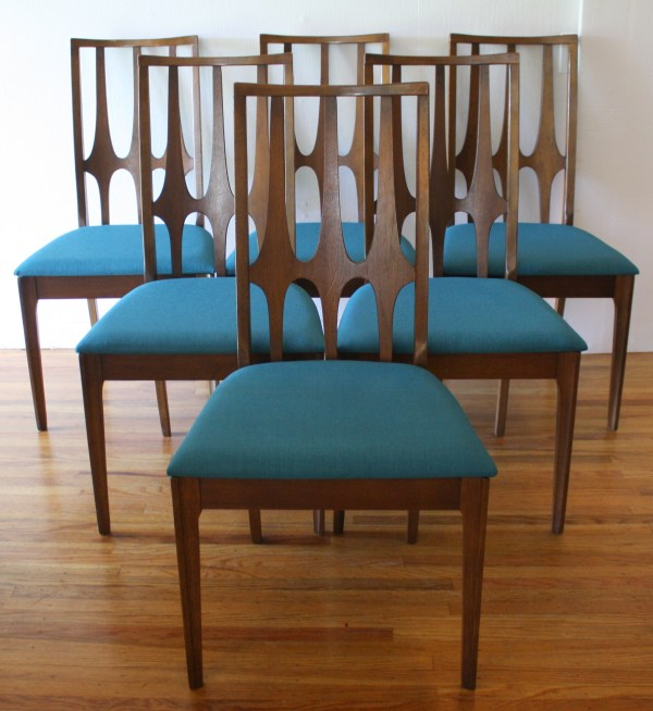 Broyhill Dining Room Table and Chairs