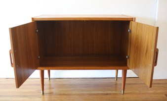 danish-teak-record-cabinet-2