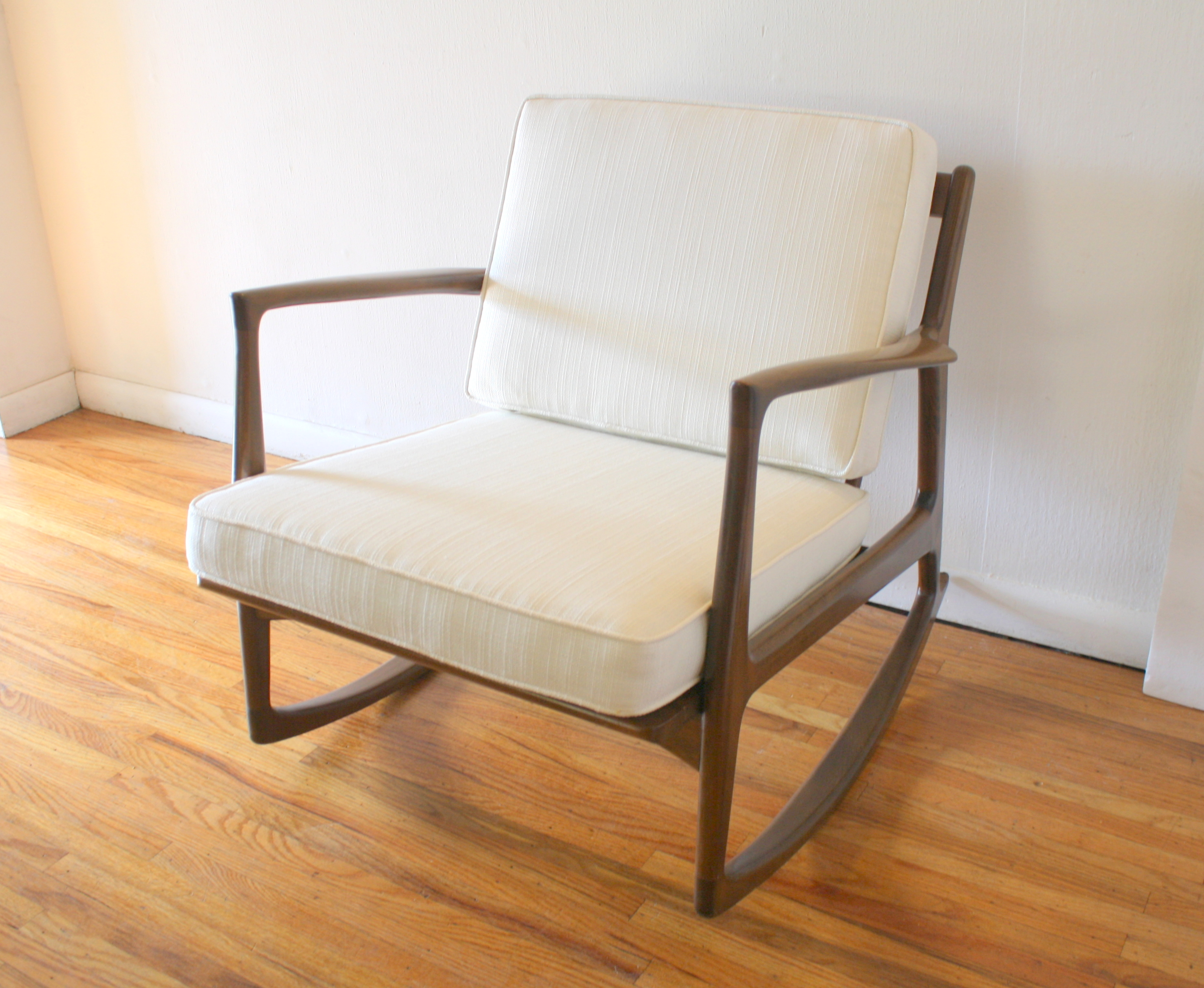 modern rocking chair singapore banquet covers to buy mid century picked vintage