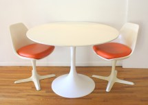 Mid Century Modern Saarinen Dining Table And Pair Of Burke