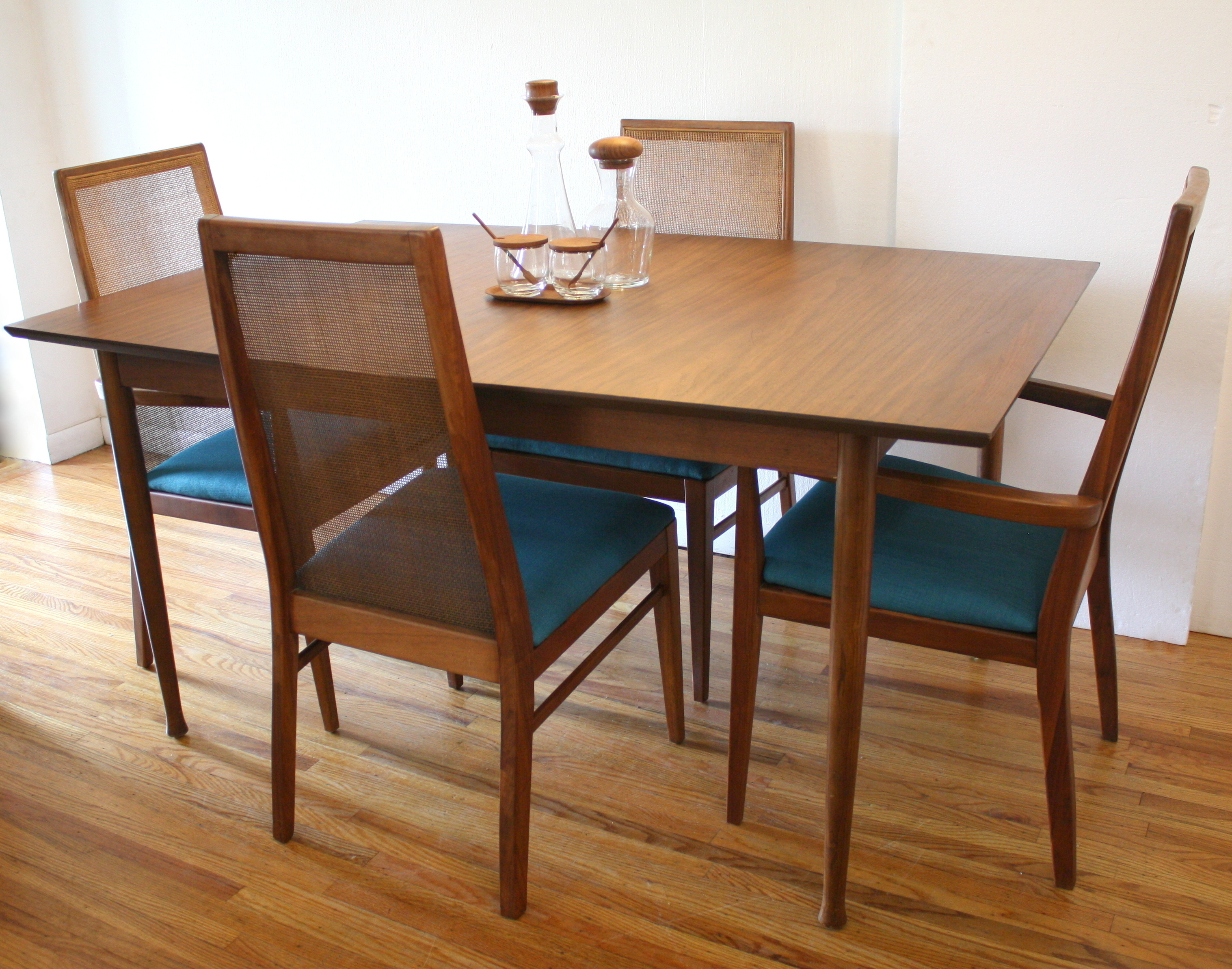 Modern Dining Table And Chairs Mid Century Modern Dining Table With Hidden Leaf And Set