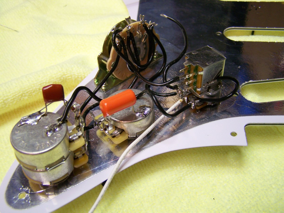 How to wire a Fender Stratocaster Pickguard with 7 Way
