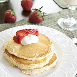 Strawberries and Cream Cheesecake Pancakes