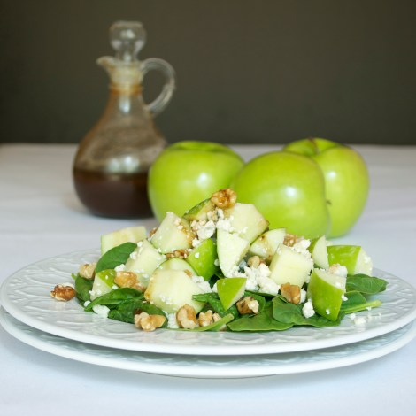 Green Apple Salad with Blue Cheese and Walnuts