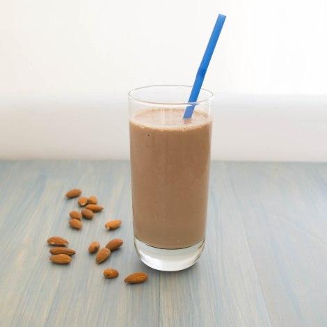 Chocolate Almond Yogurt Smoothie