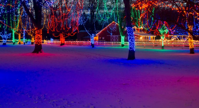 A colorful Christmas outdoor Holiday Light show by the Kiwanis club in Mankato- on display in Sibley Park- the perfect winter activity for the whole family to enjoy. Click to find out when Santa is available