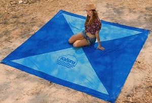 Großes Strandtuch: Die Alternative zur Picknickdecke?