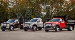 2022 Ford F-600 front