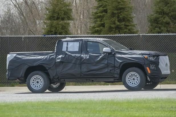 2023 Chevrolet Colorado side
