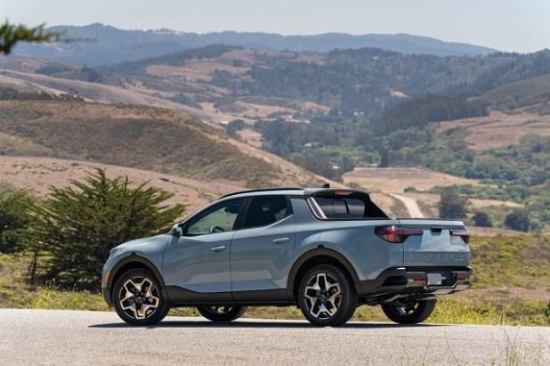 2023 Hyundai Santa Cruz side view