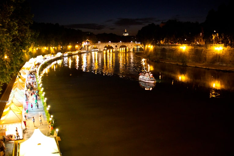 6 - tiber river night 1