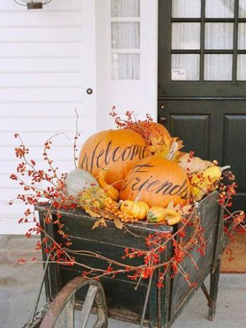 19-ways-to-make-your-neighbors-jealous-of-your-fall-porch18