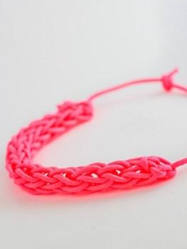 11 Speedy Finger-Knitting Projects - Finger Knitting Craft Projects, Knitting Projects, Craft Projects, Easy Craft Projects for Everyone, Crafts, Easy Crafts, Craft Projects, Finger Knitting Tutorials