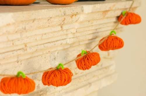 Wickedly Awesome Garlands for Halloween  Halloween Garlands, DIY Halloween Garlands, Awesome Halloween Garlands, Make Your Own Halloween Garland, DIY Halloween, Halloween Home Decor, Halloween Home Decor Hacks, Popular Pin