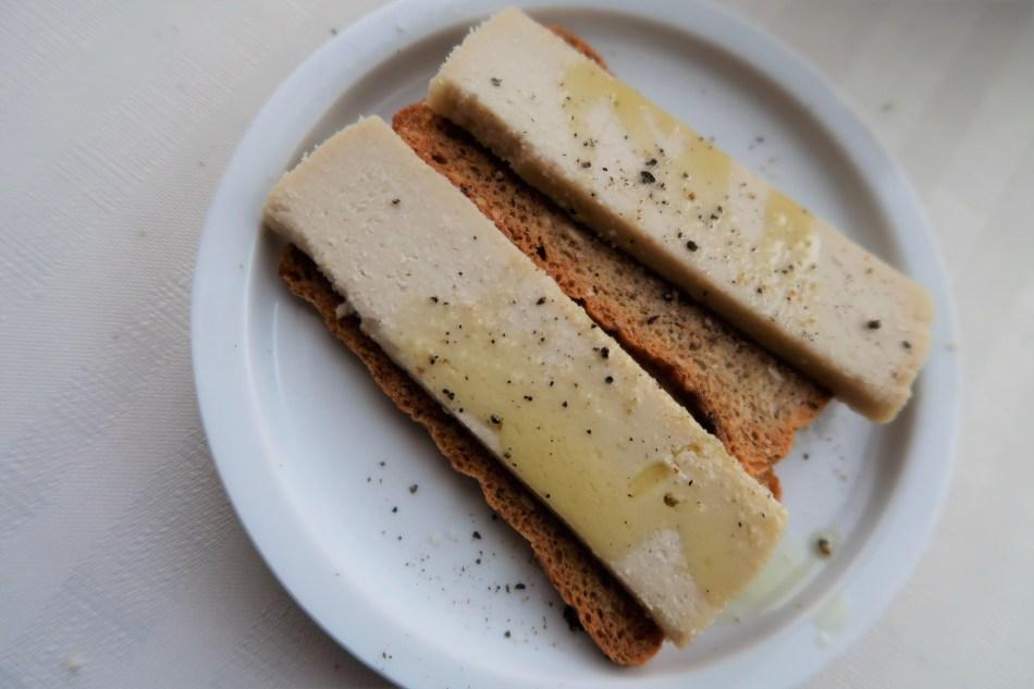 Cracker met cicioni en olijfolie