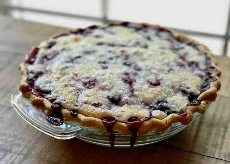 Perfectly Baked Sour Cream Raspberry Pie