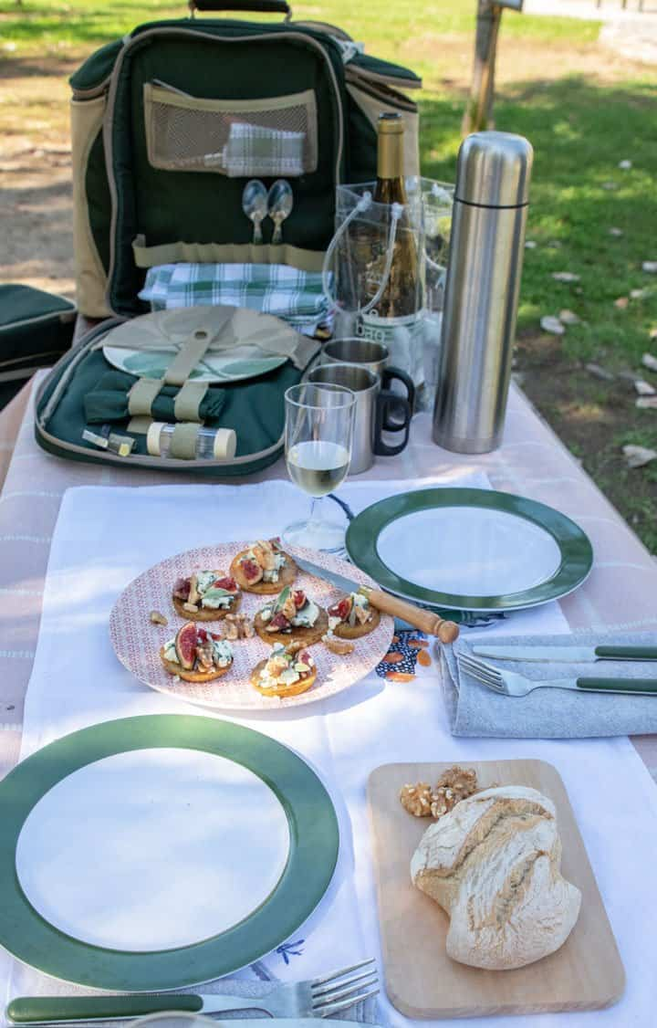 Picnic in the park with pear and blue cheese appetisers.