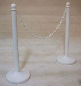 Plastic Stand w/ Chain