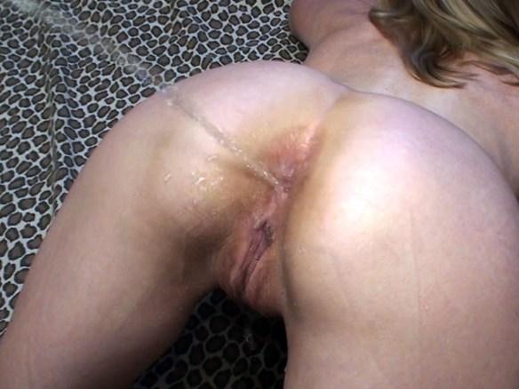 Pissing on Carol's Bum
