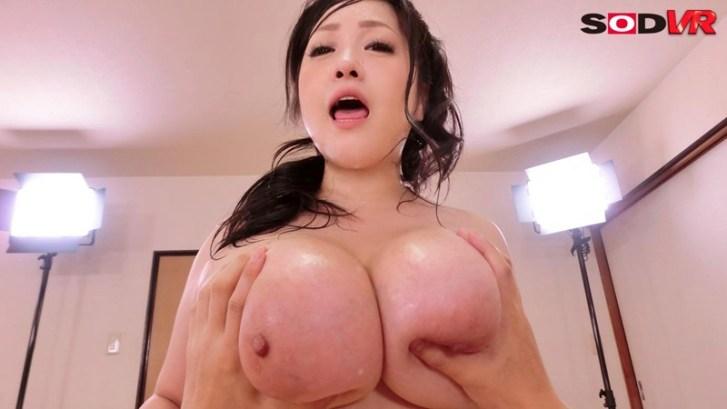 【VR】芸能人VR あの、小向美奈子のスライム乳を目の前で堪能 中出し性交5