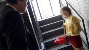 ノーブラノーパンで挑発してくるスケベ奥さんが隣に引っ越してきた!吉良… のサンプル画像 1枚目