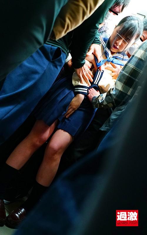 痴●師に電車の隅でこっそりイラマされ顔面えずき汁まみれで泣き寝入りする女子○生16