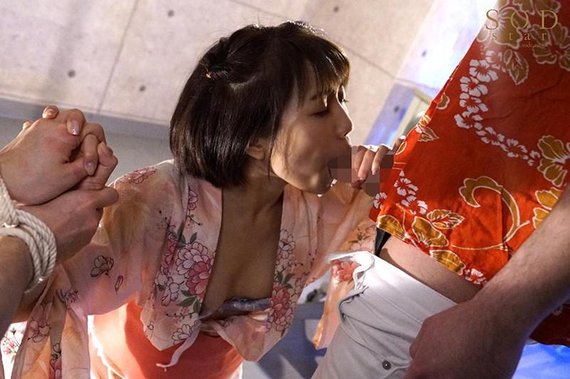 戸田真琴 手をぎゅっと握り目をじっと見つめながら彼女が犯されるのをただ傍観するしかなかった惨めなボクサンプルイメージ19枚目