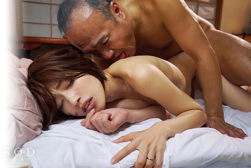 市川まさみ 「お義父さんやめてください…」夫に言えない義父との姦淫 中年オヤジとのねっとり変態セックスに溺れる若妻サンプルイメージ19枚目