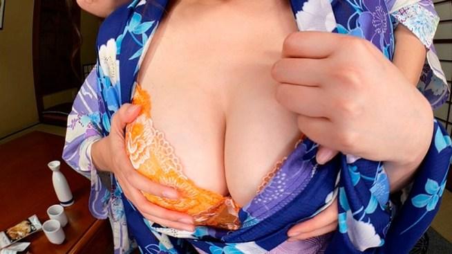 【VR】バーチャルダイブ 混浴温泉で出逢った仲良し二人組女子と一夜を過ごすことになった日のこと 古川真奈美/橋村依里南