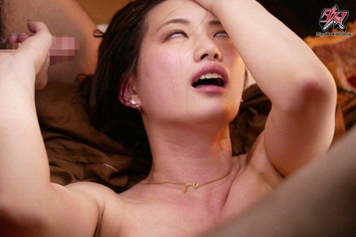 エグすぎる舐めしゃぶりビッチの下品性交。美谷朱里 のサンプル画像 7枚目