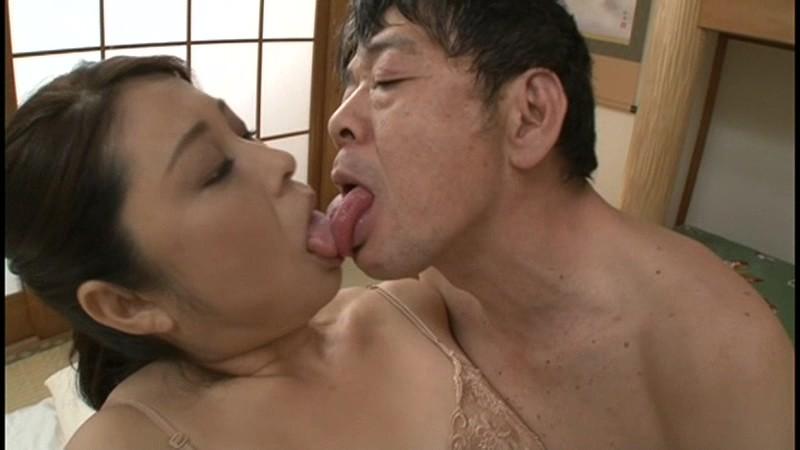 舌に吸い付き歯茎まで舐め貪る!!接吻中毒ババア 40人 8時間9