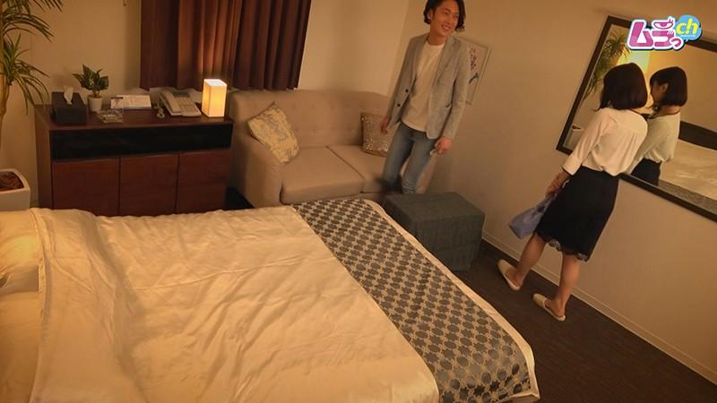 ホテル盗撮 SNSで知り合った欲求不満なレスられ男女が、肉欲のまま溺れるW不倫セックス1