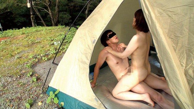 野外キャンプ不倫