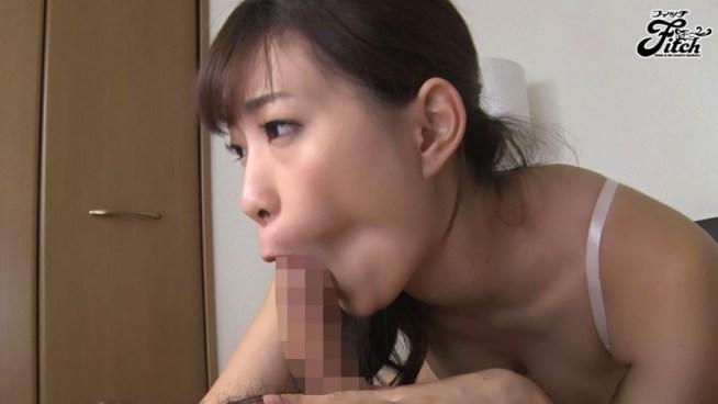 密着して舐め尽くす むしゃぶり唾液痴女 美谷朱里1