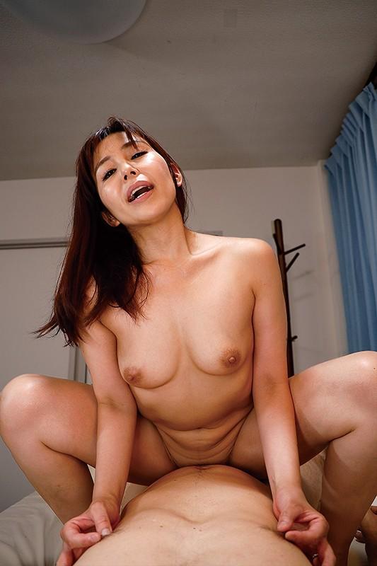 性欲旺盛な弟の嫁に誘惑されて…。汐河佳奈 のサンプル画像 10枚目