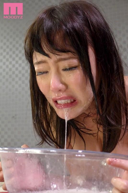 浜崎真緒の大量精飲8